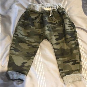 Boys camo baby gap pants 18-24 months